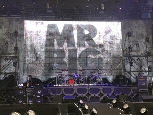 MR.BIG 2017年武道館公演 ステージ 開演前