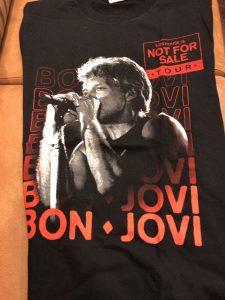 ボンジョヴィの2018年来日公演グッズ  黒ジョン・ボン・ジョヴィTシャツ